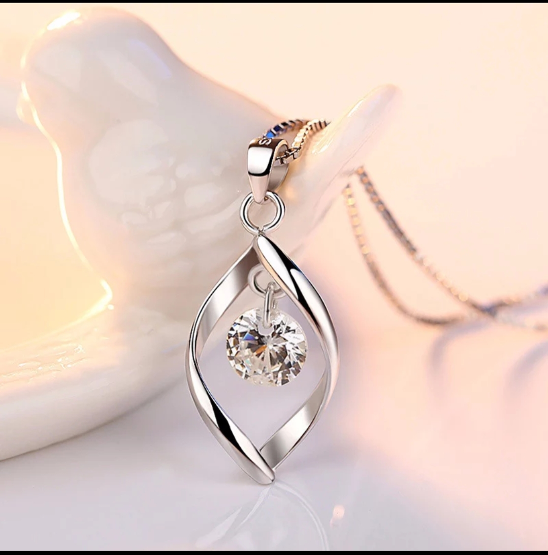 Twisted Pearl Pendant 925 Sterling Silver Chain Necklace Womens Ladies Jewellery